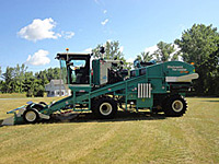 Self-Propelled 2 Bed Harvesters